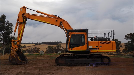 2010 Hyundai Robex 320 LC-7 Heavy Machinery for Sale