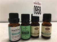 SET OF 4 ESSENTIAL OILS