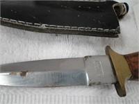 2 Knives in sheaths