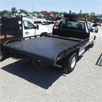 2003 FORD F350XLT SD S/A FLATBED TRUCK