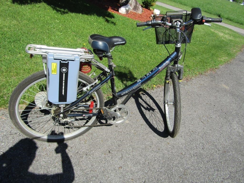 Schwinn Invidia Electric Bicycle with basket | HiBid Auctions