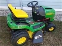 John Deere L111 Hydrostatic Lawn Mower
