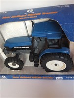 New Holland TM150 Tractor 1:16 scale Diecast | Loganberrys Antique
