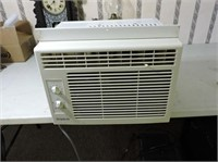 Simplicity Window Air Conditioner, 5200 BTU