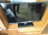 "Isignia 29"" Flat Screen TV with Remote"