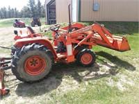 1981 Kubota B8200 tractor | Bradeen Real Estate & Auctions