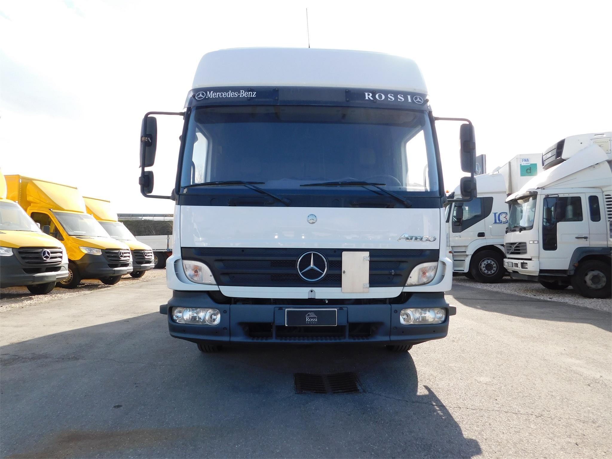 Mercedes-Benz ATEGO 818 Usagé