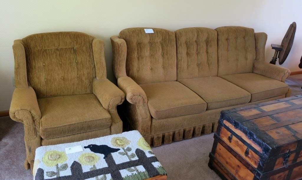 Outstanding Broyhill Sofa And Arm Chair Hessney Auction Co Ltd Evergreenethics Interior Chair Design Evergreenethicsorg