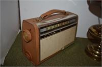 Antique RCA Victor Transistor Radio and Lamp | H  K  Keller