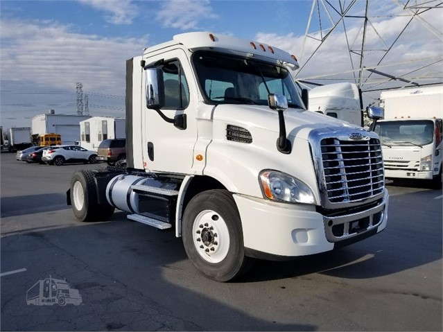 2016 FREIGHTLINER CASCADIA 113 For Sale In Whittier, California