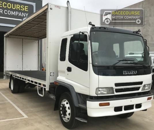 2005 Isuzu FTR 900 Racecourse Motor Company - Trucks for Sale
