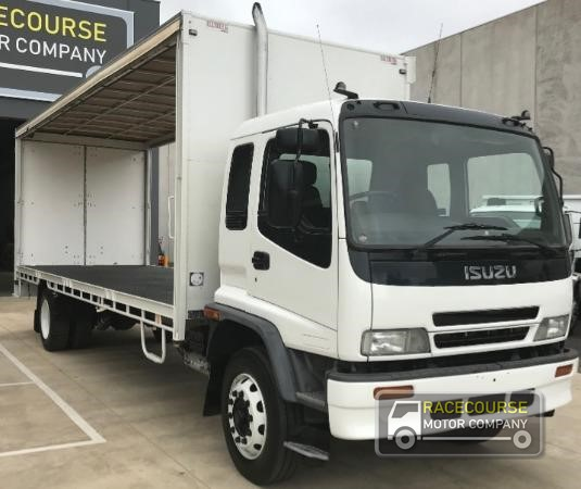 2005 Isuzu FTR900 Racecourse Motor Company - Trucks for Sale