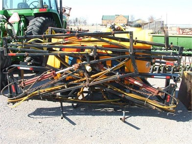 BROYHILL 3PT 300 GAL SPRAYER Other Auction Results - 1