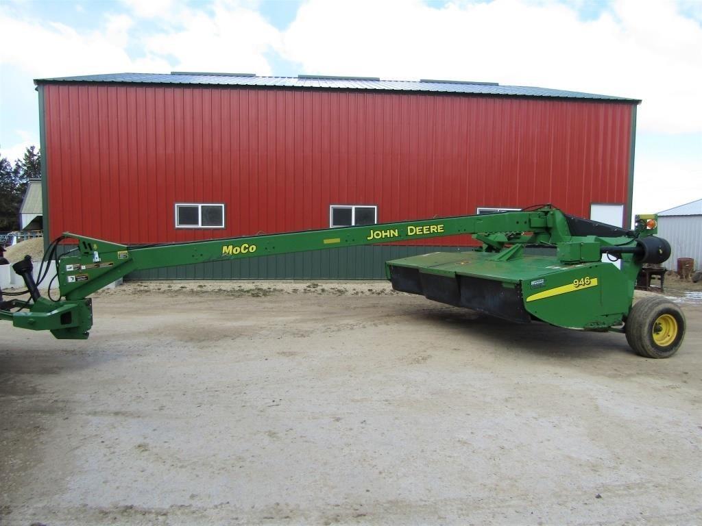 JOHN DEERE 946 MOWERCONDITIONER | Wisconsin Tractor