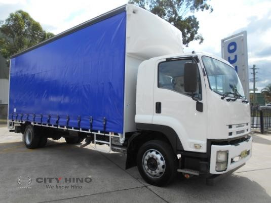 2012 Isuzu FTR 900 City Hino - Trucks for Sale