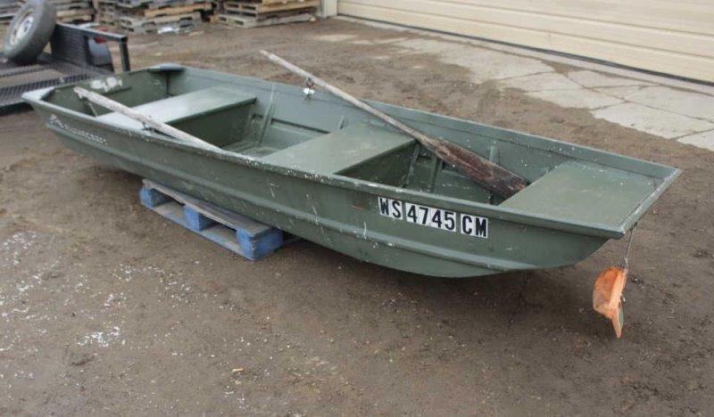 12ft Aluminum Jon Boat w/Oars | Smith Sales LLC