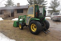 John Deere 4310 (diesel, 31hp, 430 loader, Qwick attach, remote outlets, turf tires, Curtis cab) Image 4 of 5