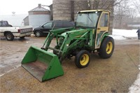 John Deere 4310 (diesel, 31hp, 430 loader, Qwick attach, remote outlets, turf tires, Curtis cab) Image 2 of 5