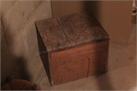 Wood Box (image 1 of 2)