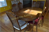 Kitchen Table with 6 Chairs