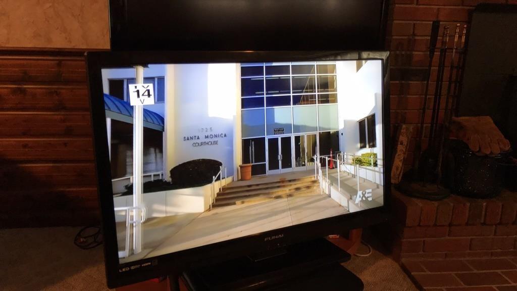 32in LED TV Funai LF320FX4F | Martinsburg Flea