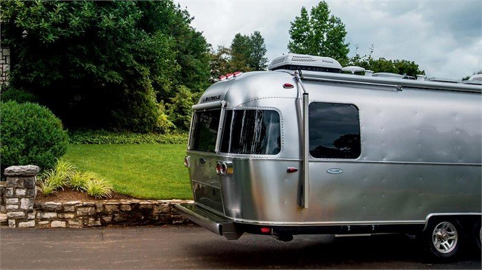 90702a18e63 Airstream revealed its new Classic Smart Trailer and Smart Control  Technology at this year s RVX  The RV Experience event and came away with a New  Horizon ...