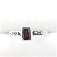 Silver Garnet And Marcasite Ring