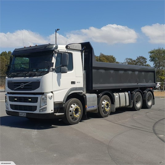 2011 Volvo FM500 - Trucks for Sale