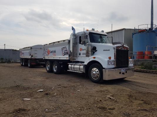 2011 Kenworth T409 SAR - Trucks for Sale
