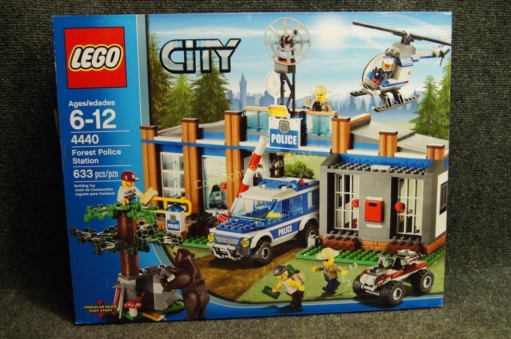 Retired Lego City Forest Police Station Bid Kato