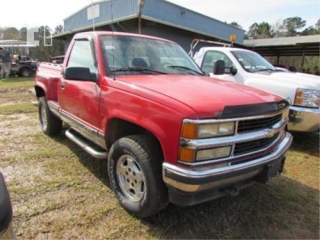Lot 1995 Chevrolet Silverado 10
