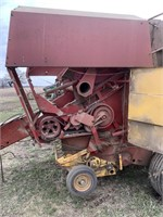 New Holland 853 round baler | HiBid Auctions