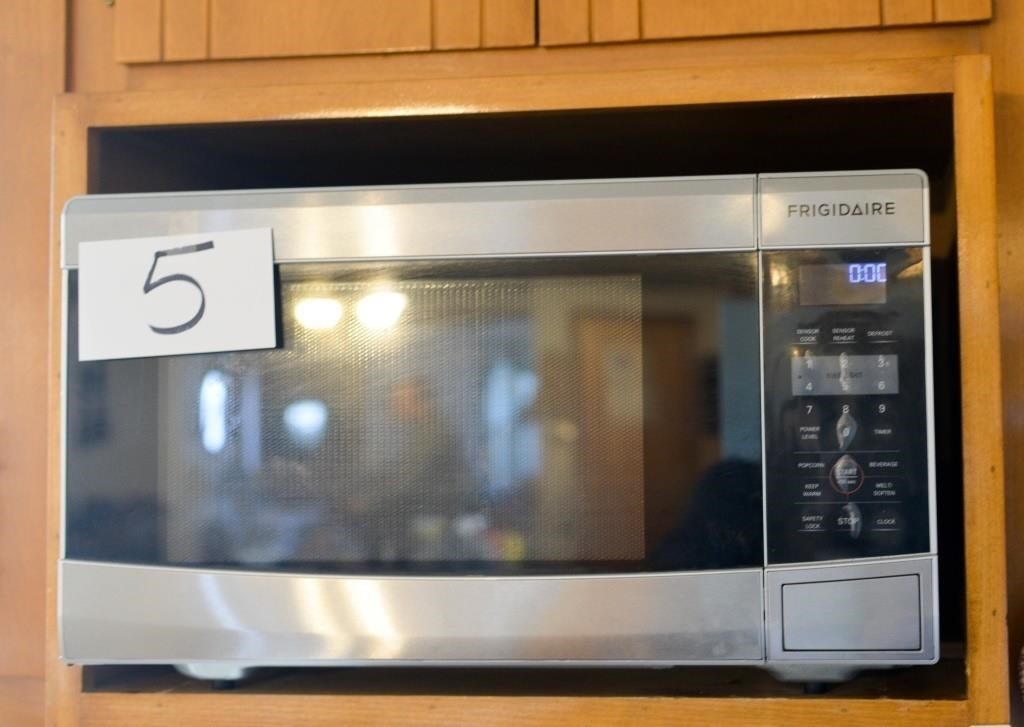stainless steel frigidaire microwave