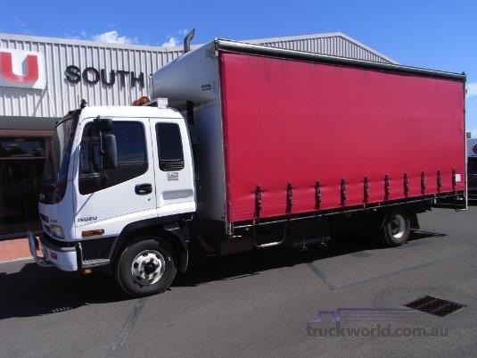 2004 Isuzu FRR 525 Long - Trucks for Sale
