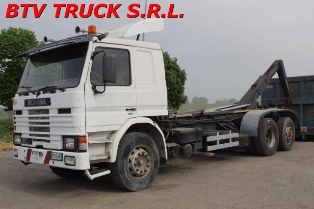 Scania 82M Usagé