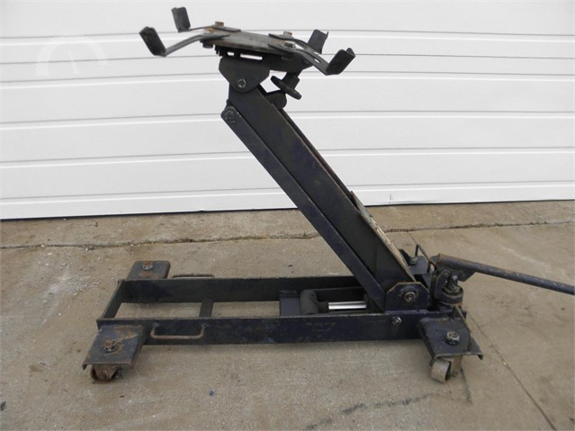 Lot # 5333 - TRANSMISSION JACK NESCO NS-960
