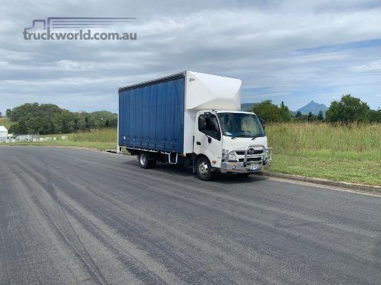 2013 Hino 300 Series 917 Trucks for Sale