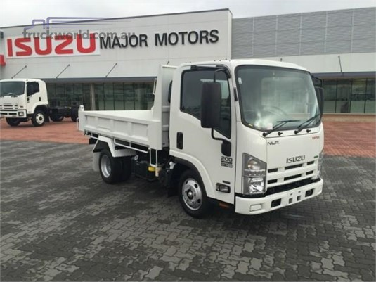 2019 Isuzu NLR 45 150 AMT - Trucks for Sale