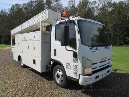 2009 Isuzu NPR400 Trucks for Sale