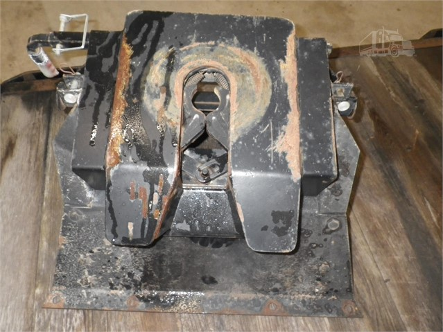5Th Wheel Hitch For Sale >> 1990 Curtis Fifth Wheel Hitch For Sale In Gowrie Iowa Www