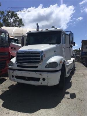 2006 Freightliner FLX - Trucks for Sale