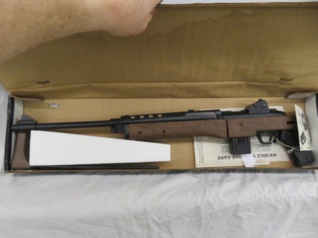 DAISY POWER LINE 814 BB GUN WITH BOX ROGERS ARK  | HiBid