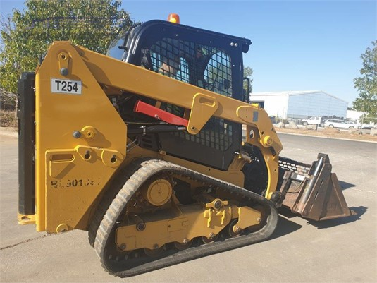 2017 Caterpillar 239D Heavy Machinery for Sale