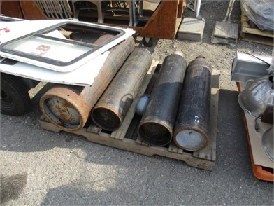 c6365772de006 Tanks (4) Other Auction Results - 1 Listings