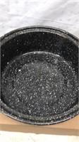 Lot of 2 Stamped Metal Vintage Roasting Pans