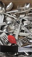 Large lot of Kitchen Utensils Dinner Forks,