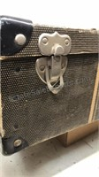 "Antique Suitcase with key 23x12x7"""