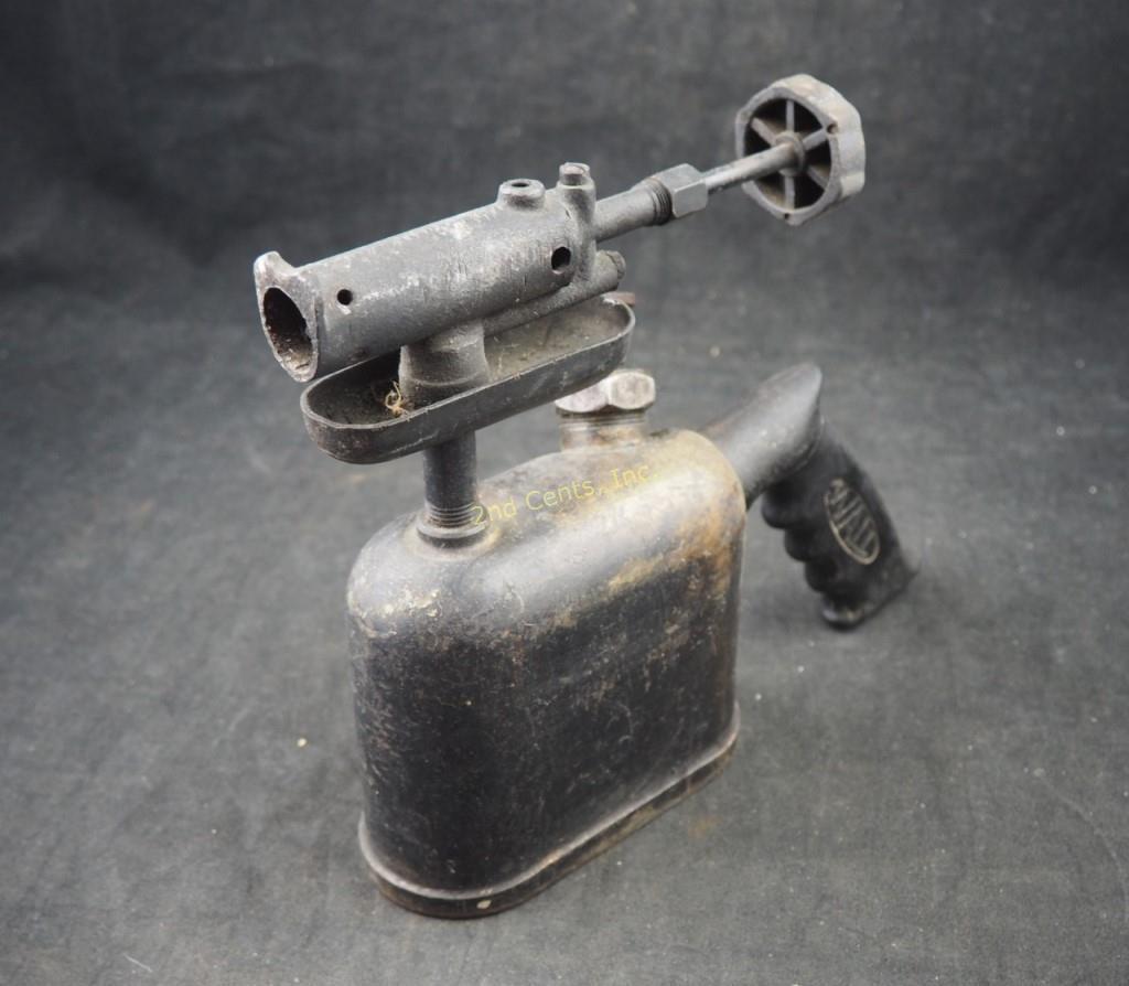 Small Wall Pistol Grip Kerosene Torch