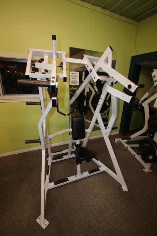 Hammer Strength - Plate Loaded Back Row Machine | Oak Crest