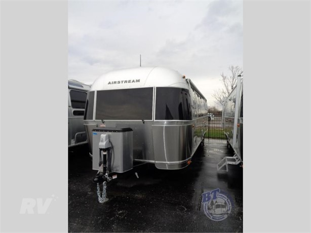 AIRSTREAM FLYING CLOUD 30RB Travel Trailers For Sale - 5